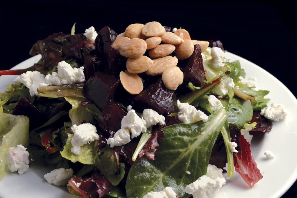 Pisa Lisa Salad_1520 RGB 1000p.jpg